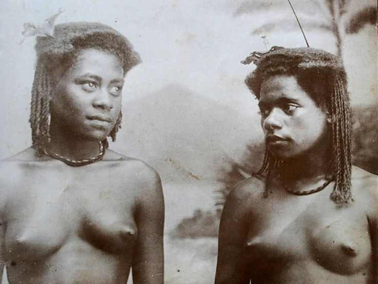 An early ethnographic photograph of Fijian virgin locks, subjects no credited. Photo courtesy of Adi Nacola.